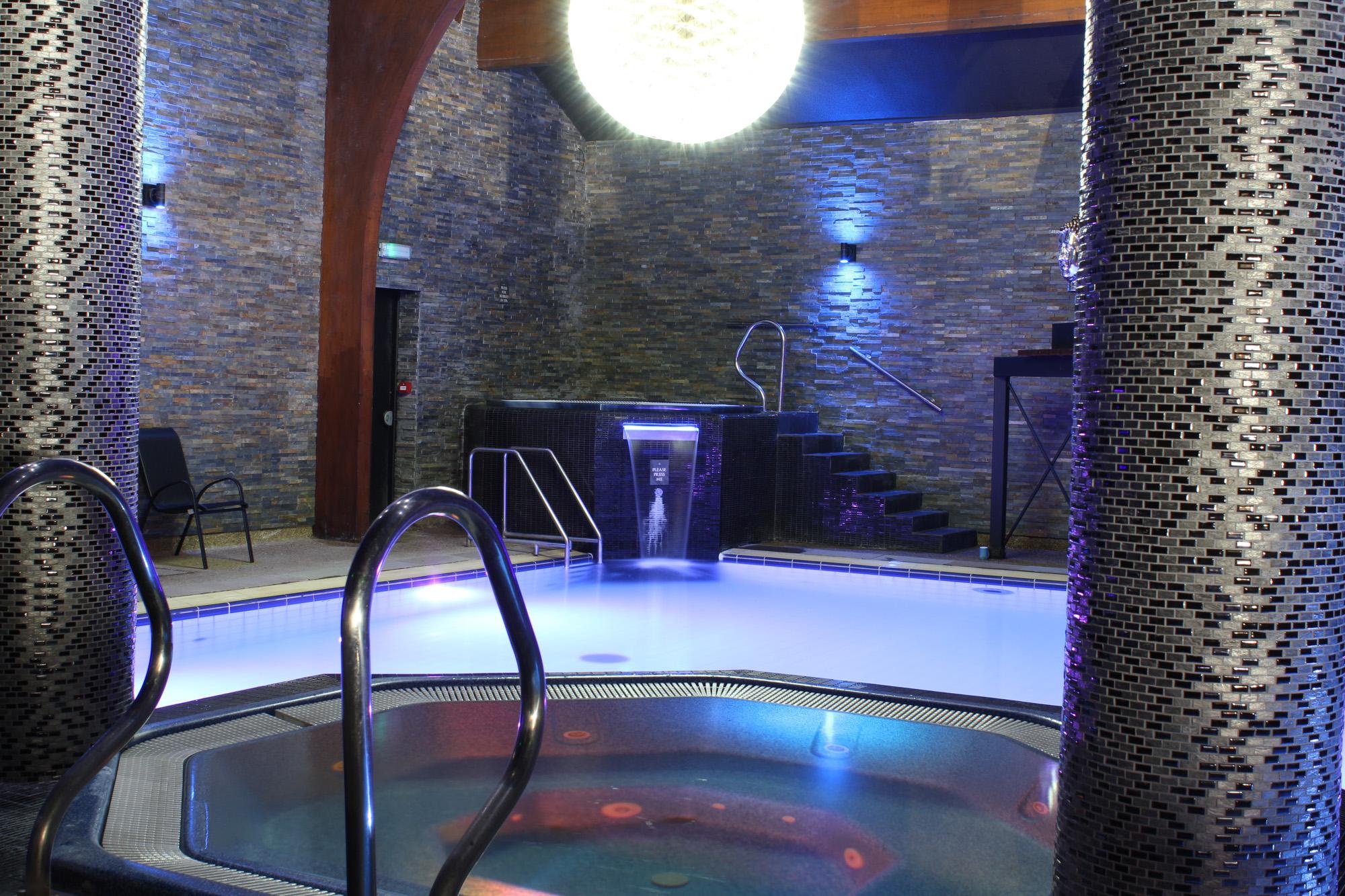 Modern Pool And Spa