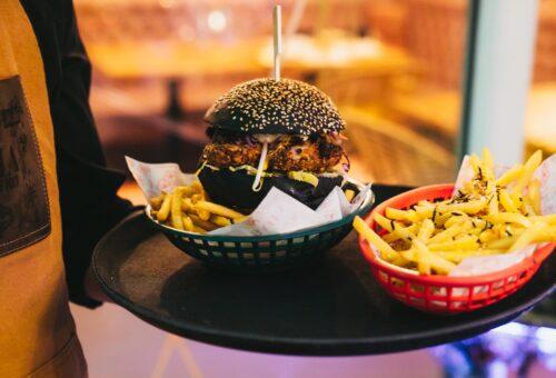 LAKE DISTRICT OUTDOOR DINING - BAHA BURGER & FRIES